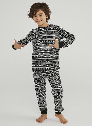 Penti Unisex Çocuk Siyah Famıly Faırısle 2'lü Pijama Takım PNKG0MMP20SK Siyah